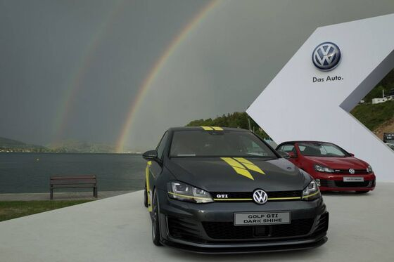 VW Volkswagen Golf GTI Dark Shine mavrica